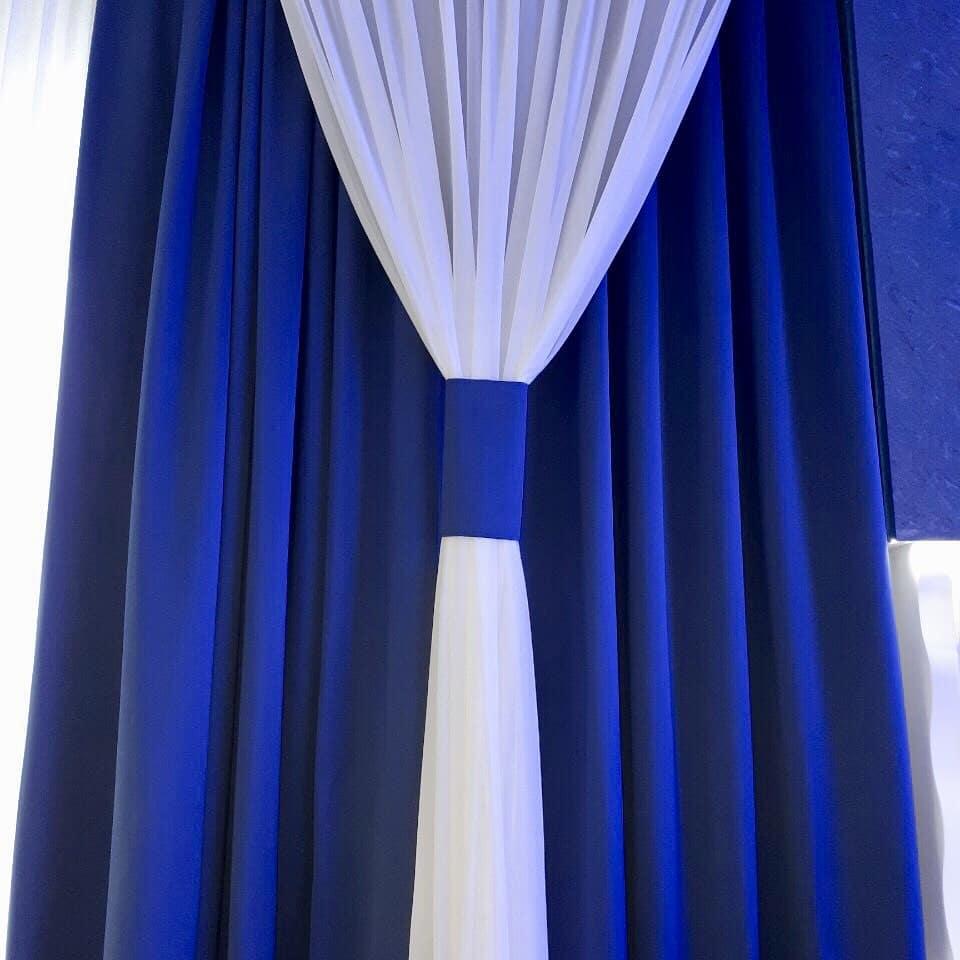 Банкетный зал в синих тонах